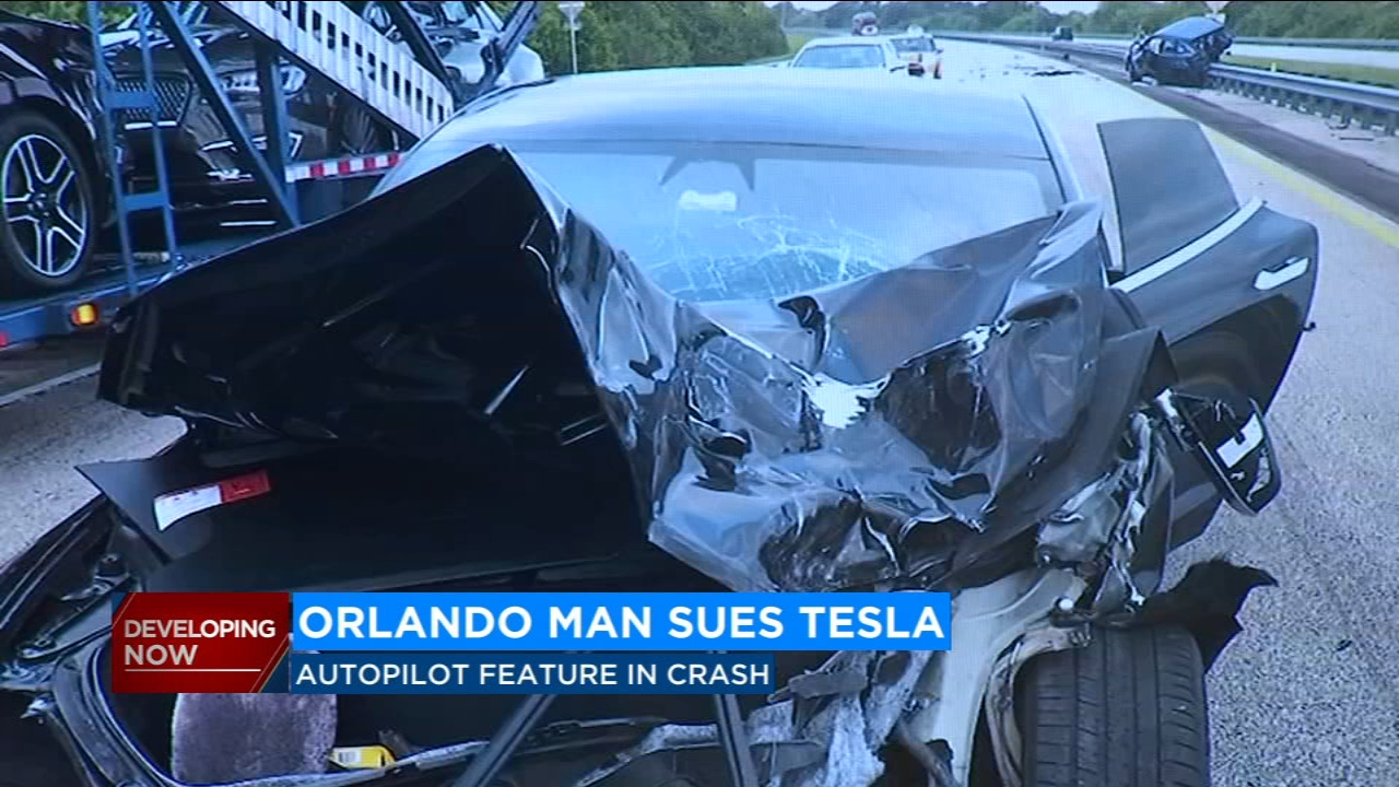 Florida man sues Tesla over failed autopilot feature