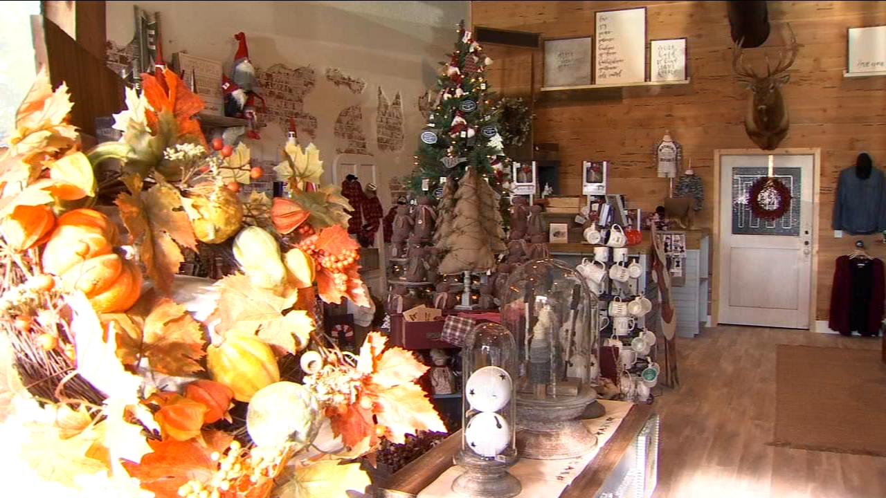 Experts are predicting Americans will spend some serious cash this holiday season to the tune of about $720 billion. Small businesses in the Valley are hoping to get a piece of tha