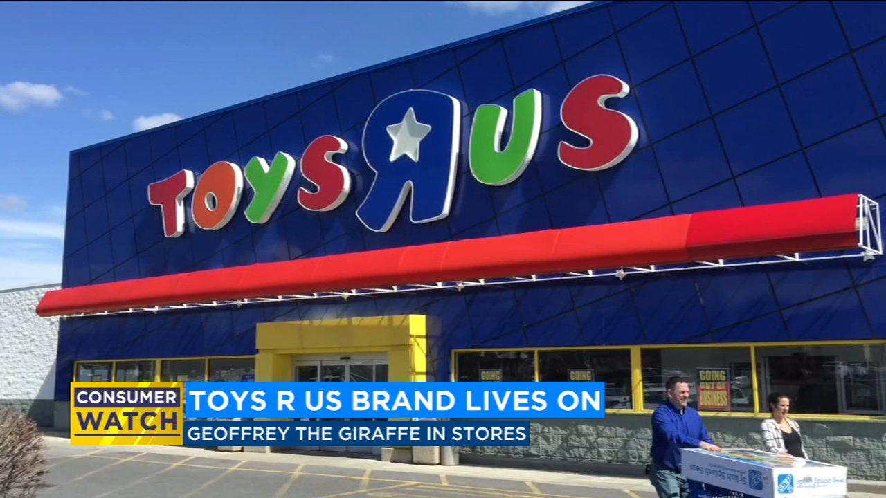 Toys R Us brand lives on, Geoffrey the Giraffe in stores for holiday season