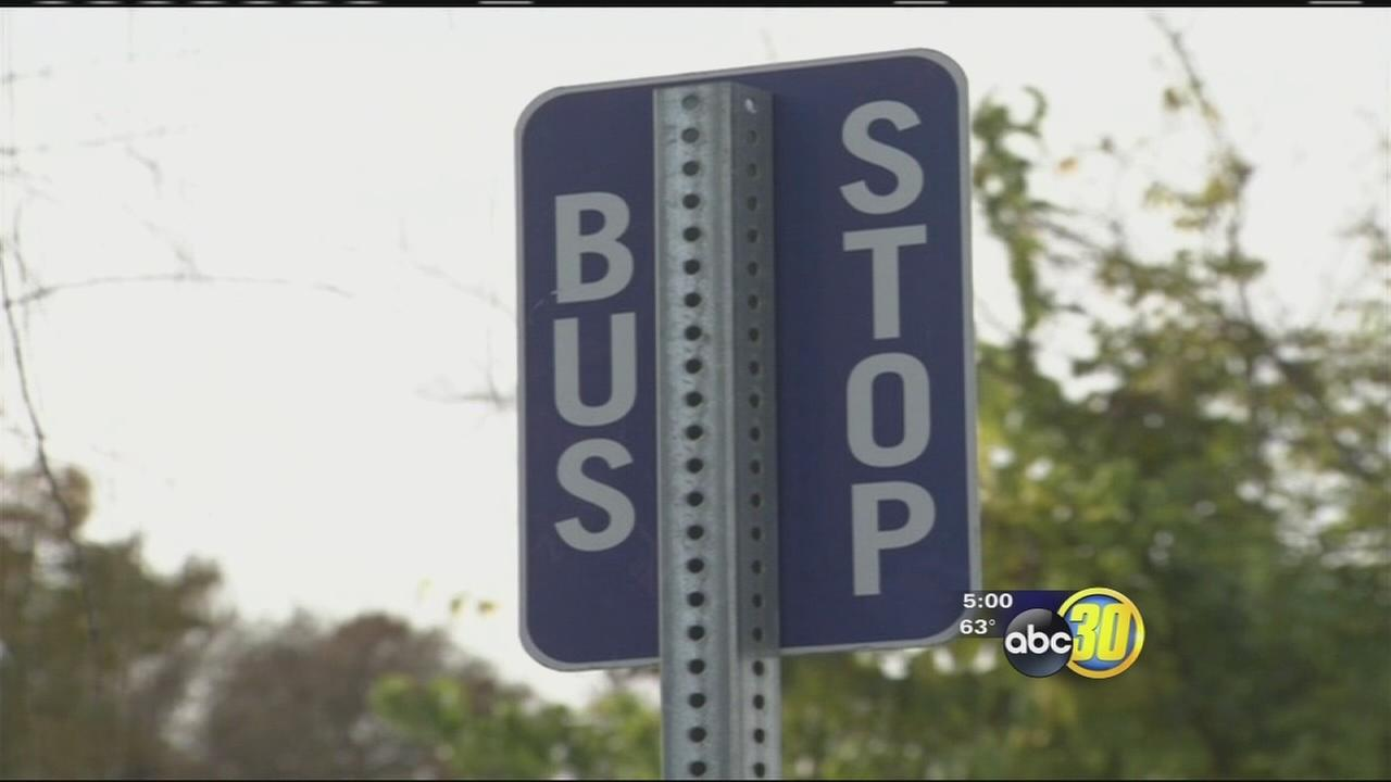 Detectives in the South Valley looking for a man who tried to lure kids onto a bus