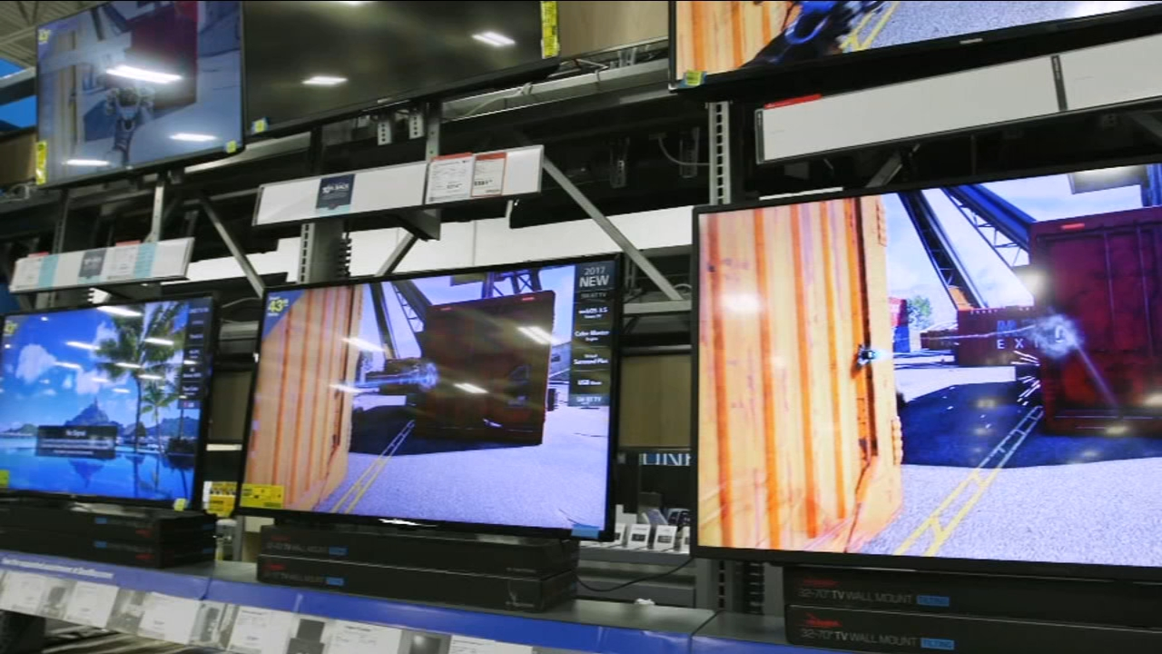 This Black Friday, Consumer Reports says you can expect to see prices drop on 4K TVs, including premium brand 50-inch TVs for less than $200 and premium brand 55-inch 4K TVs right