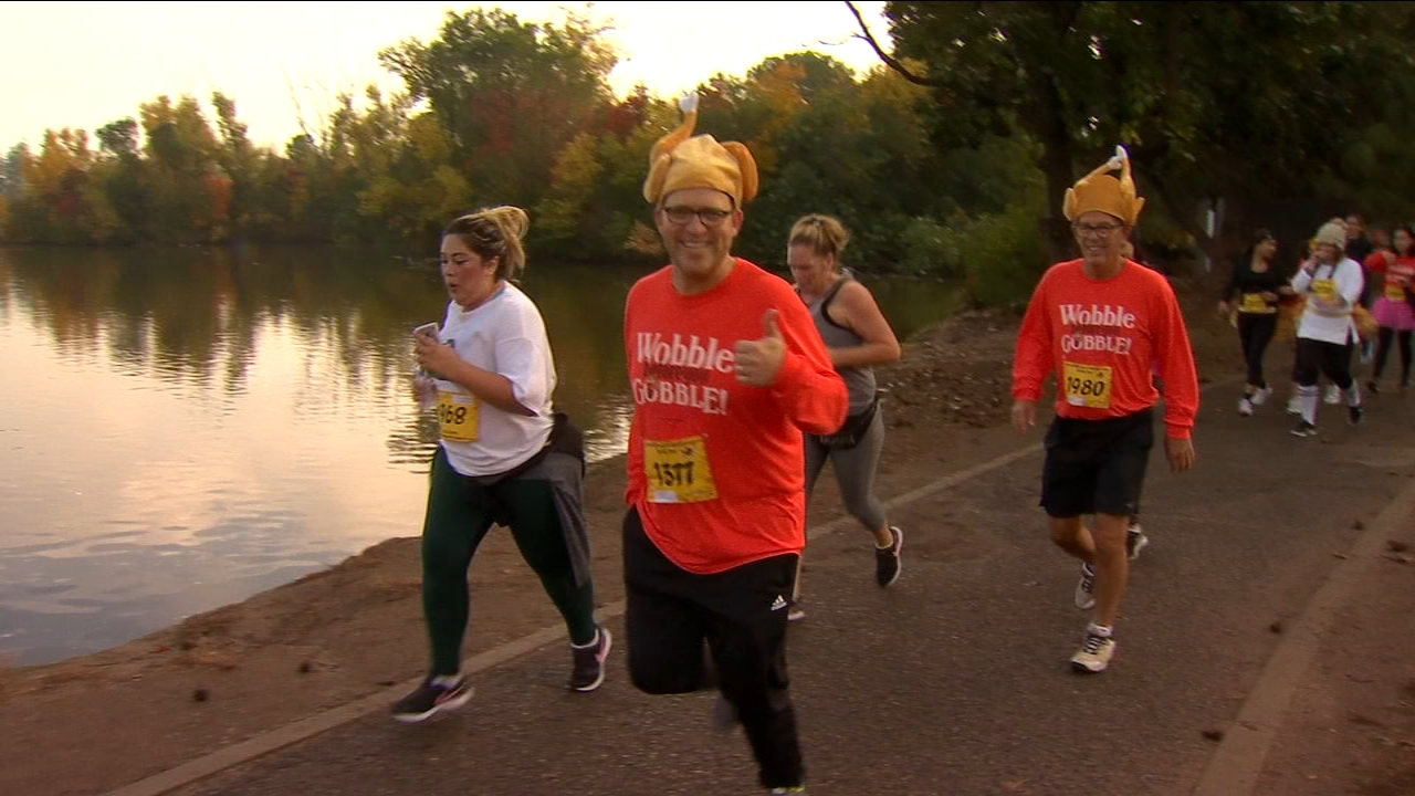 Hundreds of runners participate in annual Turkey Trot races