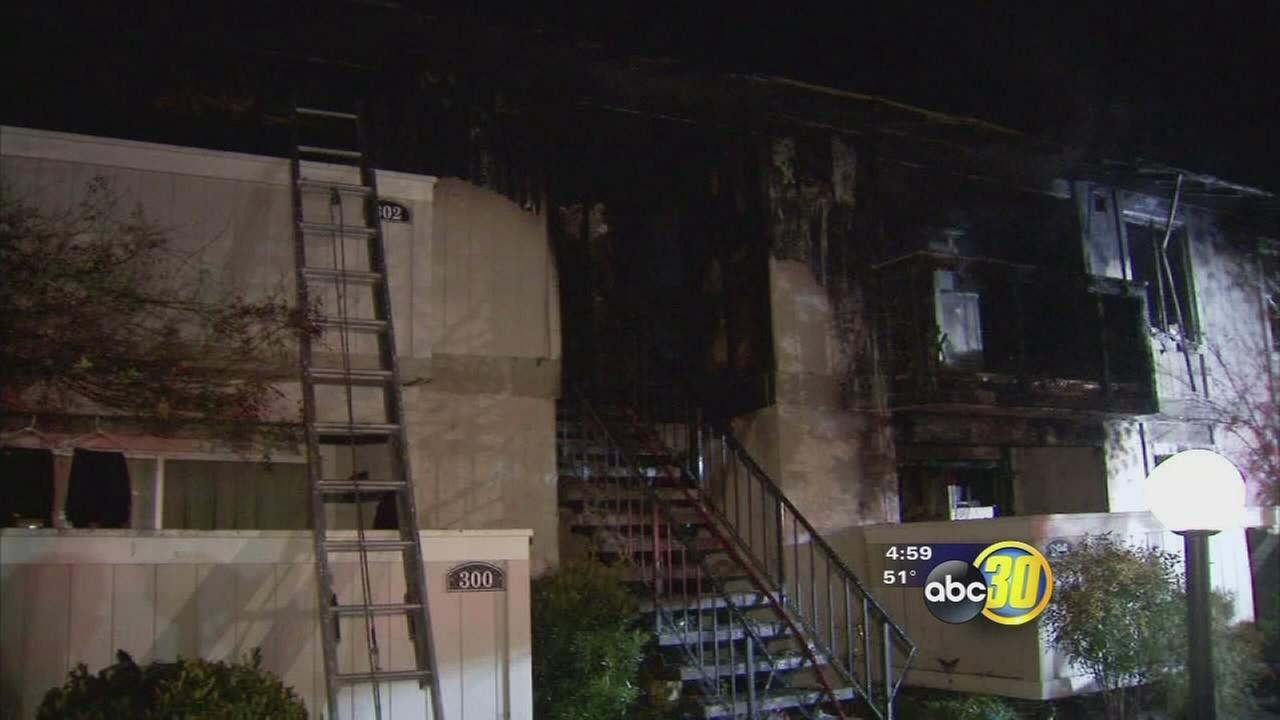 Fire breaks out at Merced apartment complex, 1 dead, many displaced