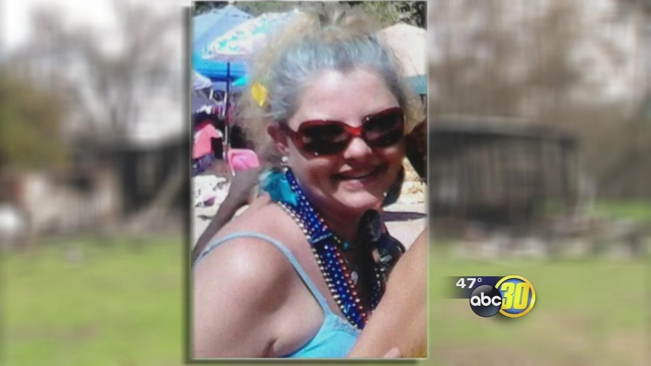 Woman killed trying to save pet from mobile home fire near Minkler