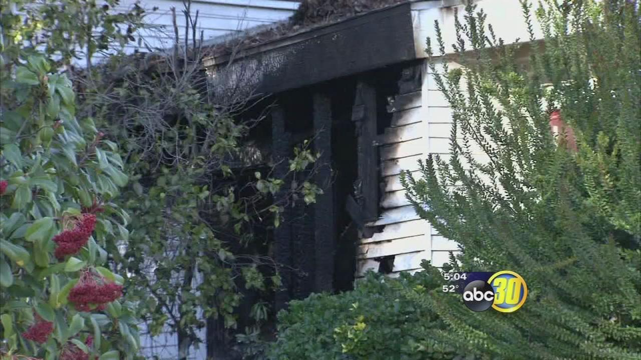 One person killed in house fire in central Fresno