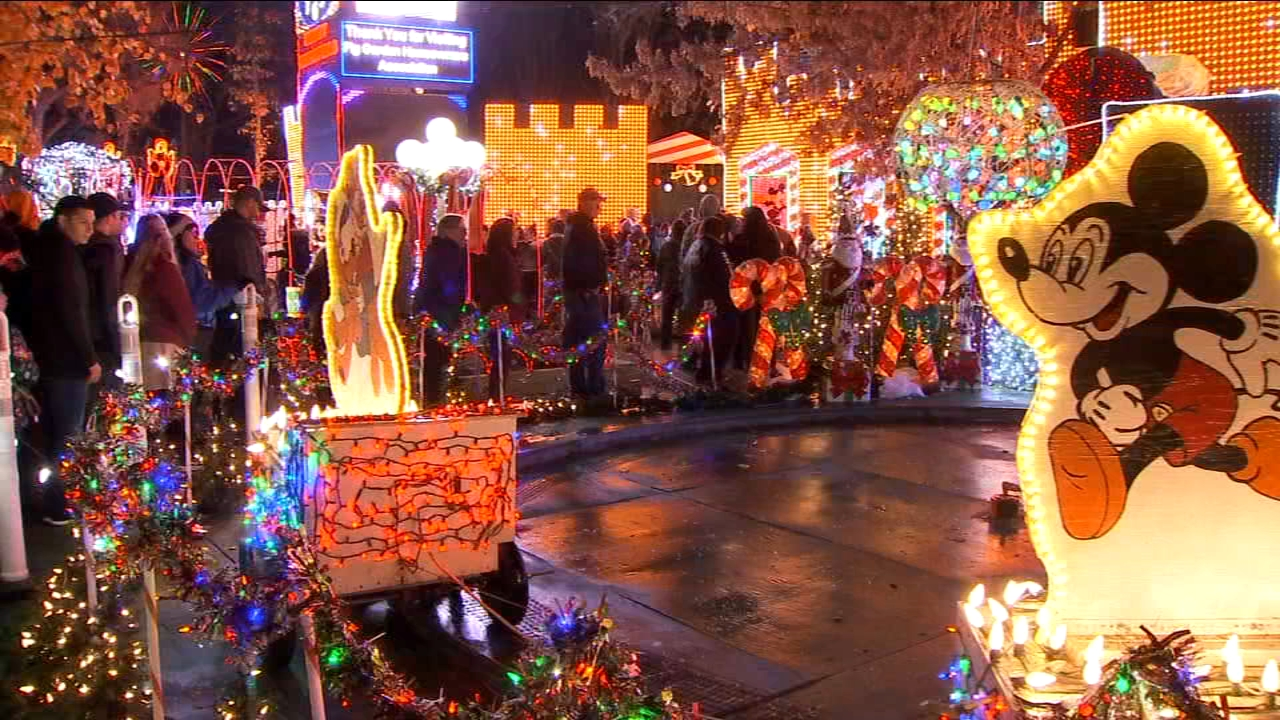 96th annual Christmas Tree Lane opens for Valley natives, newcomers to enjoy