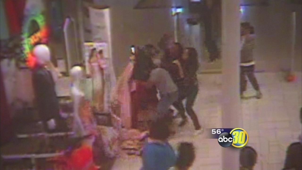 Shoplifters caught on camera assaulting JCPennys employee in Fresno