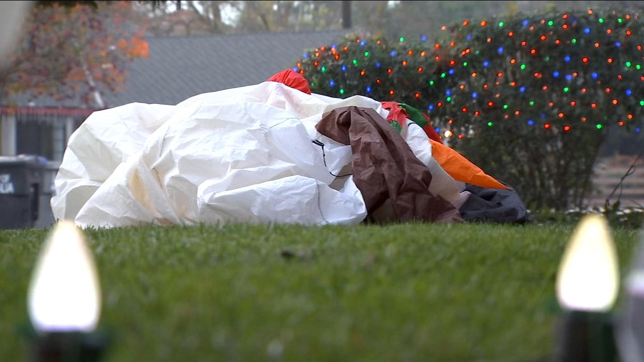 Visalia families are on the hunt for holiday vandals who slashed and snipped their decorations just weeks before Christmas. At least six homes were hit, all near Feemster Court thi
