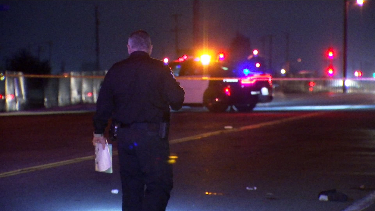 Fresno Police officers are investigating what caused a deadly collision between a vehicle and a bicyclist in Central Fresno.