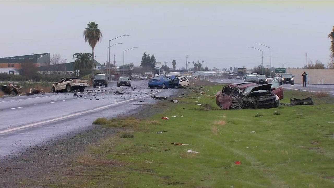 The suspect in a fatal shooting in Visalia is now dead following a police pursuit that ended in a fiery crash, according to authorities.