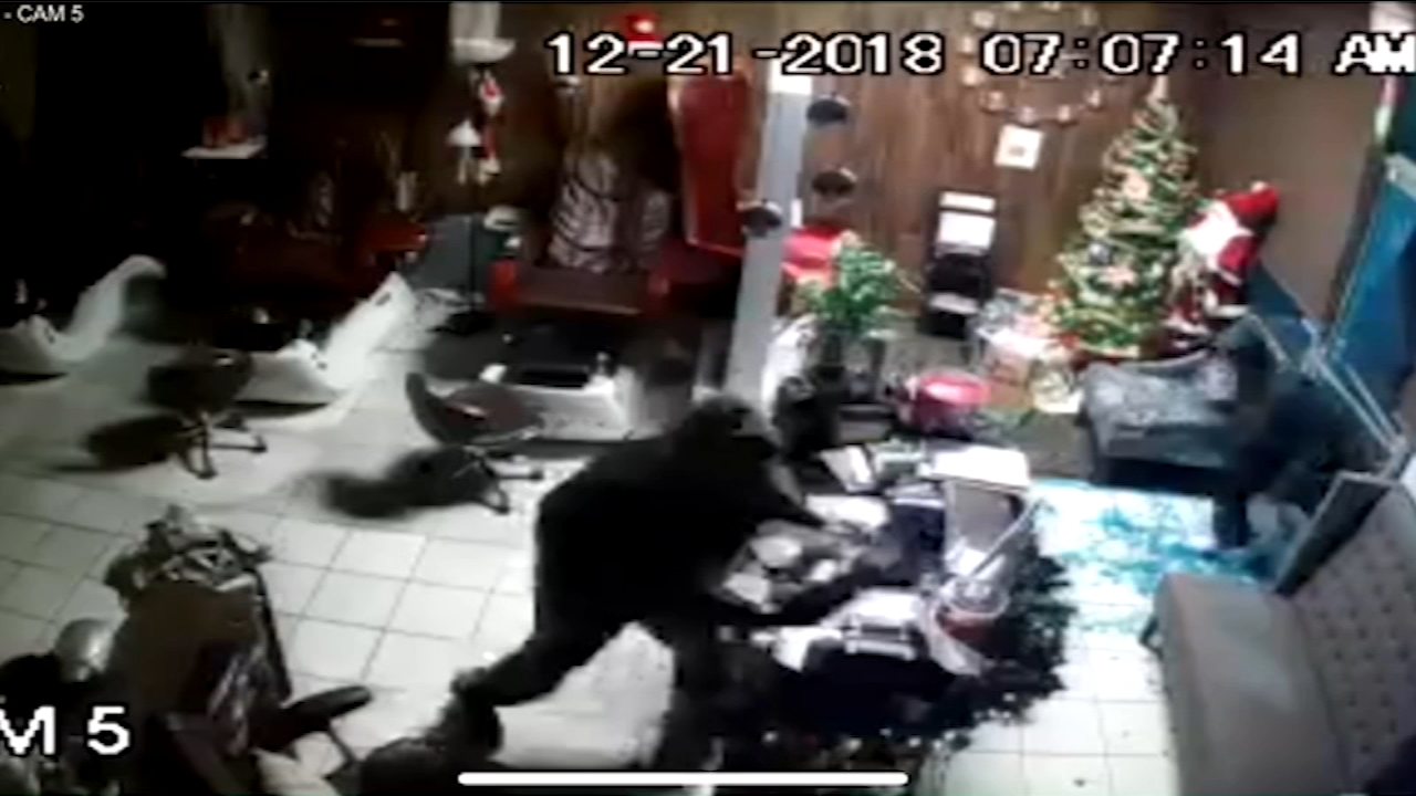 Burglars hit Northeast Fresno nail salon, vandalize other businesses