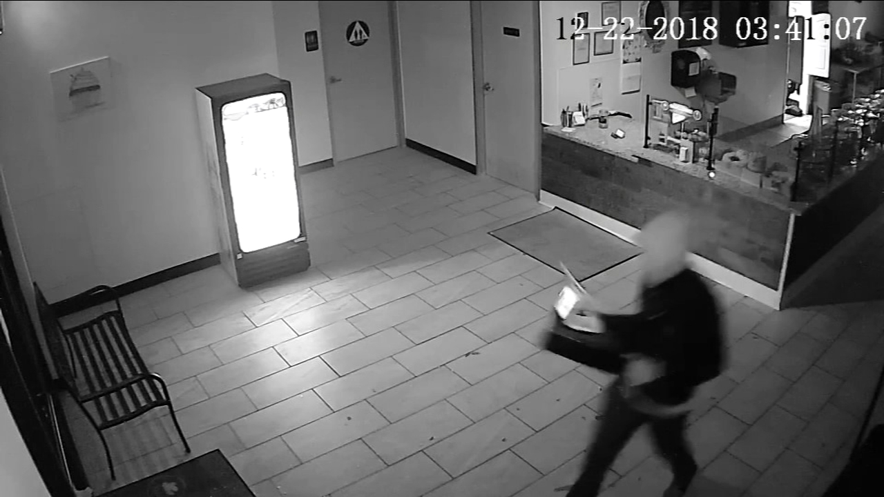 Burglar caught on camera taking register, smashing doors at Northwest Fresno bakery