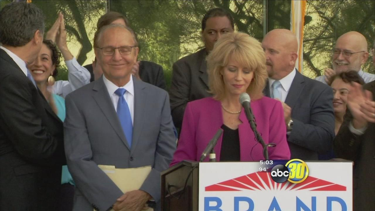 Fresnos mayor waying into race to replace her