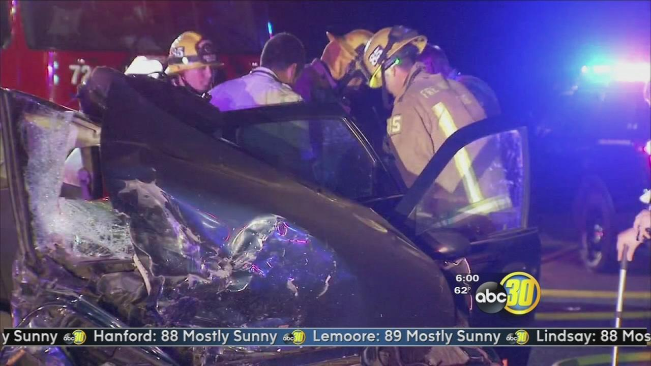 4 injured in suspected DUI crash on Friant Road
