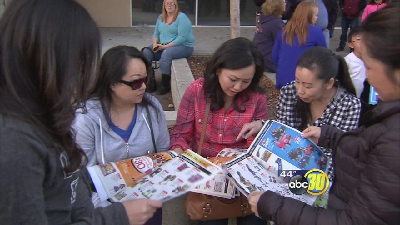 Thousands of Valley families are thankful for good deals on Thanksgiving