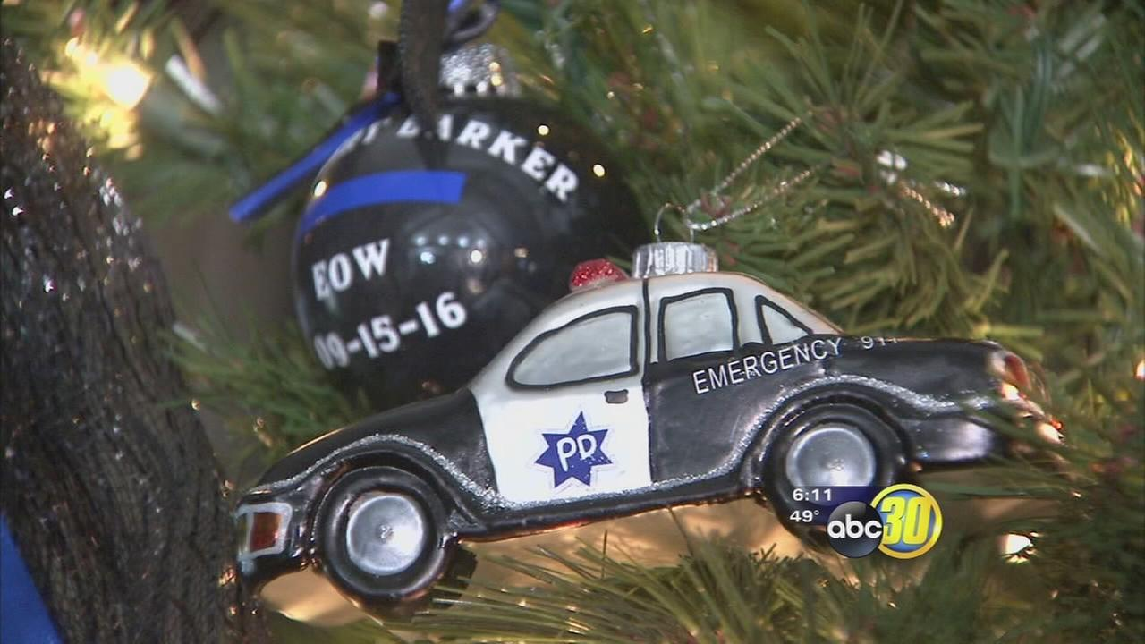 Christmas decorations at Fresno home honors every fallen officer, deputy this year