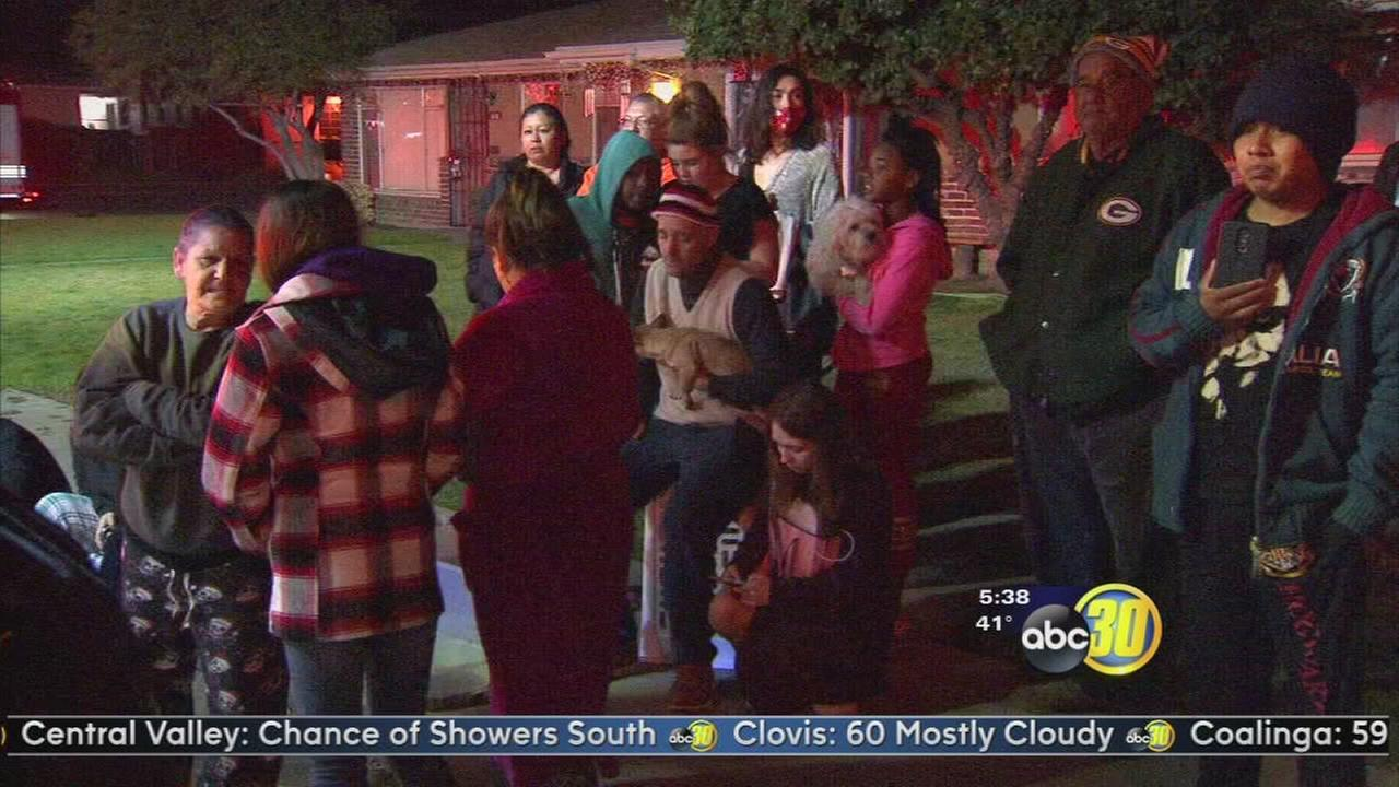 Central Fresno apartment fire leaves 12 without a home