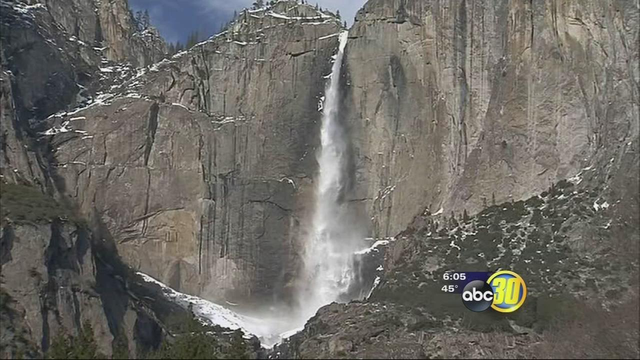 Tourists flock to Yosemite after entrance fee waived for the holiday