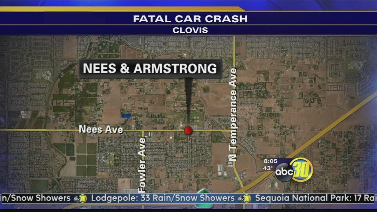 Man dies after crashing into power pole in Clovis   abc30.com