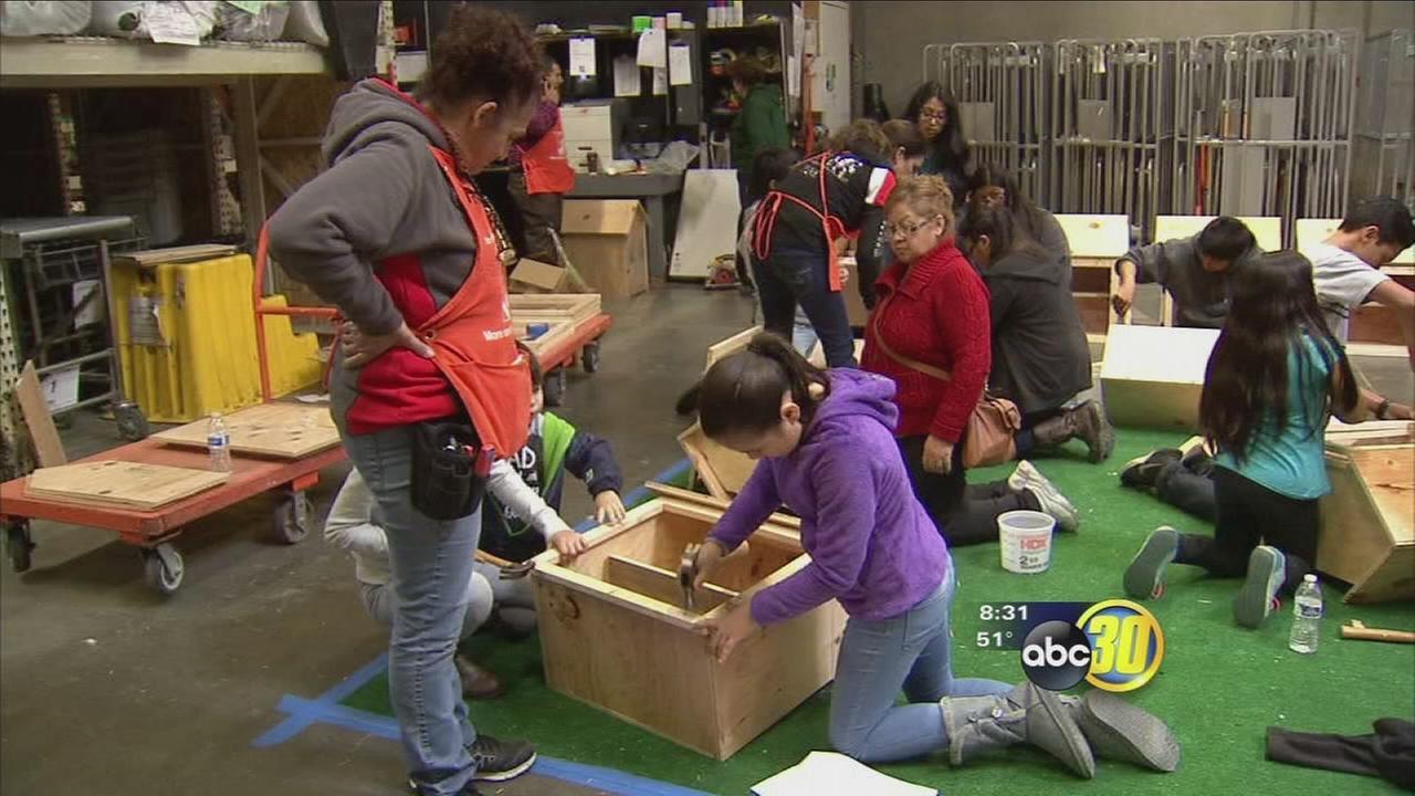 Selma residents build Little Libraries for neighborhoods