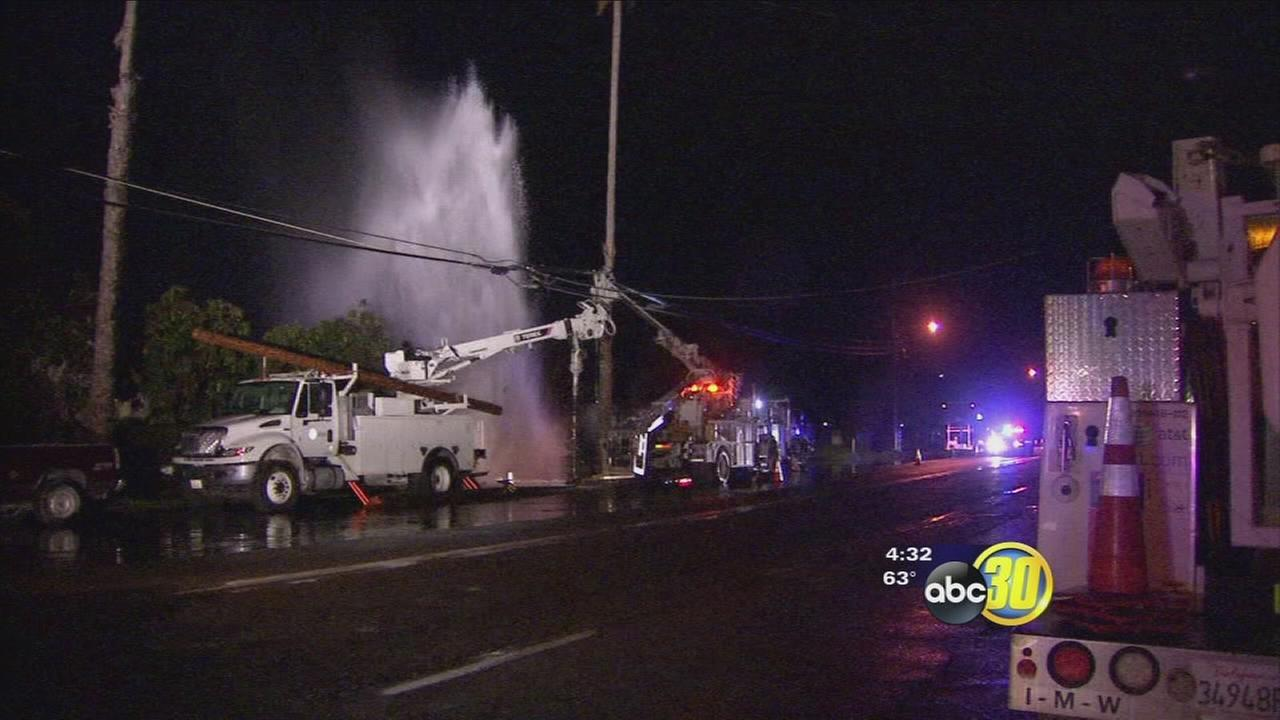 020217-kfsn-4pm-water-main-break-vid_1