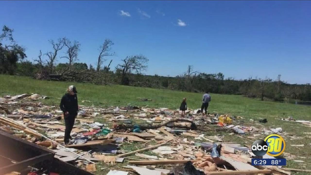 050217-kfsn-6pm-tornado-fam-vid