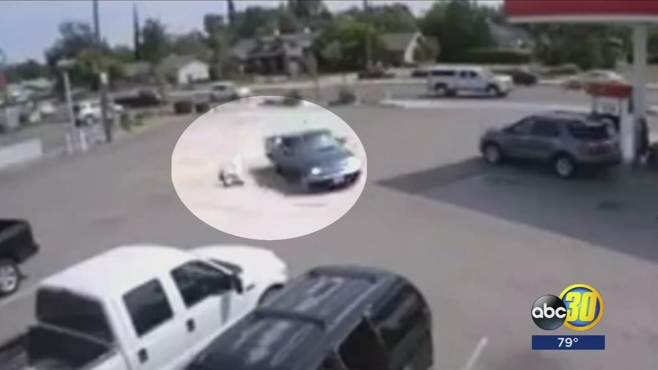 VIDEO: Man flung from car during dramatic robbery in Madera County