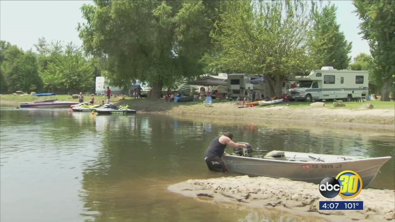 Businesses along the Kings River in Tulare County getting ready for a busy weekend
