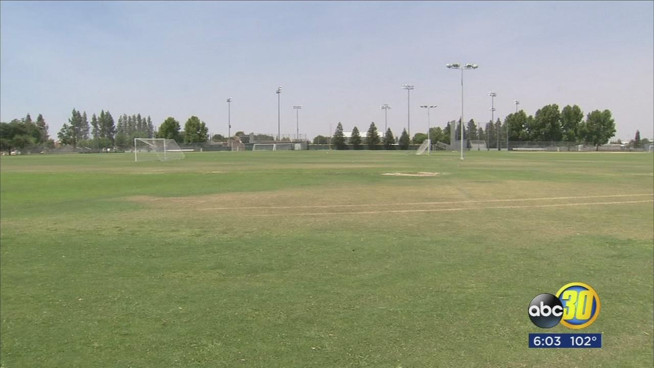 Fresno youth leagues fighting school district for more play fields
