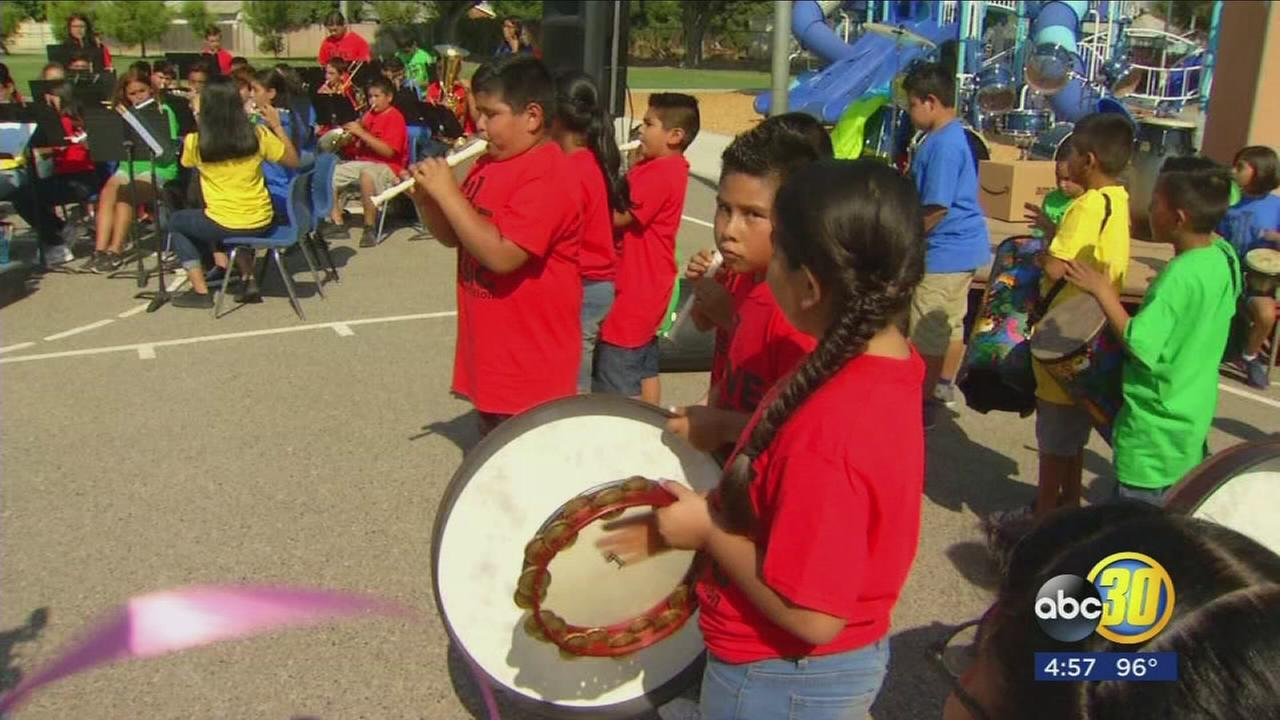 VH1 and Amazon bringing music back to Caruthers Elementary School