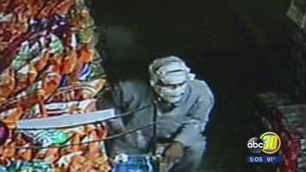 Man with a mummy disguise robs store in Easton