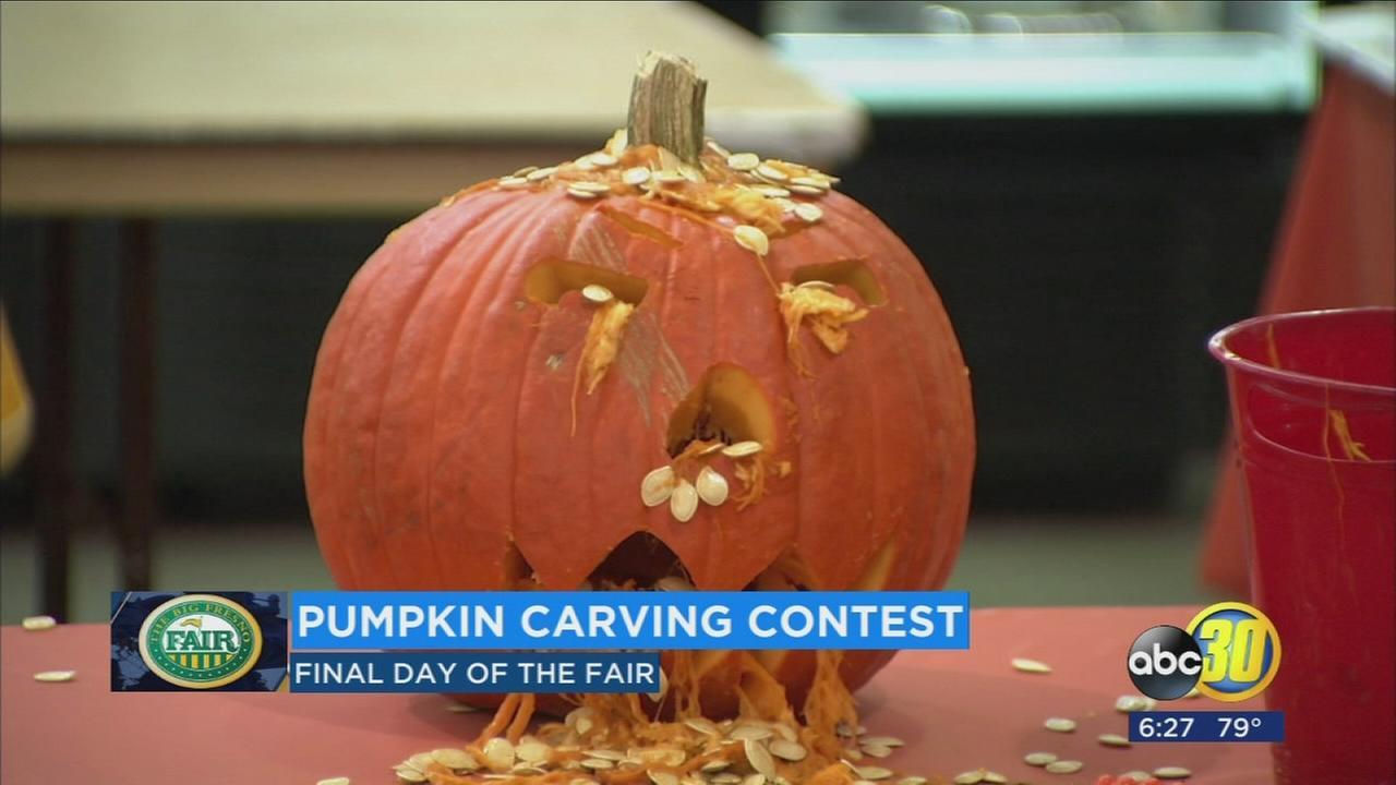 BFF pumpkin carving