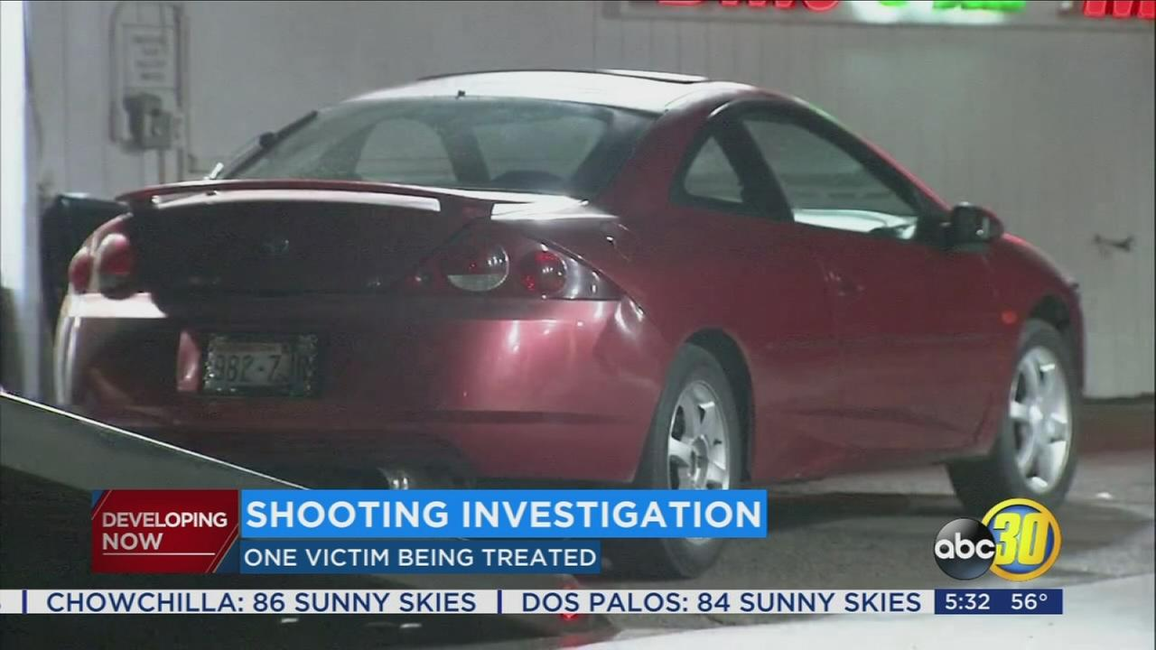 Police search for suspects after a man is shot in Farmersville