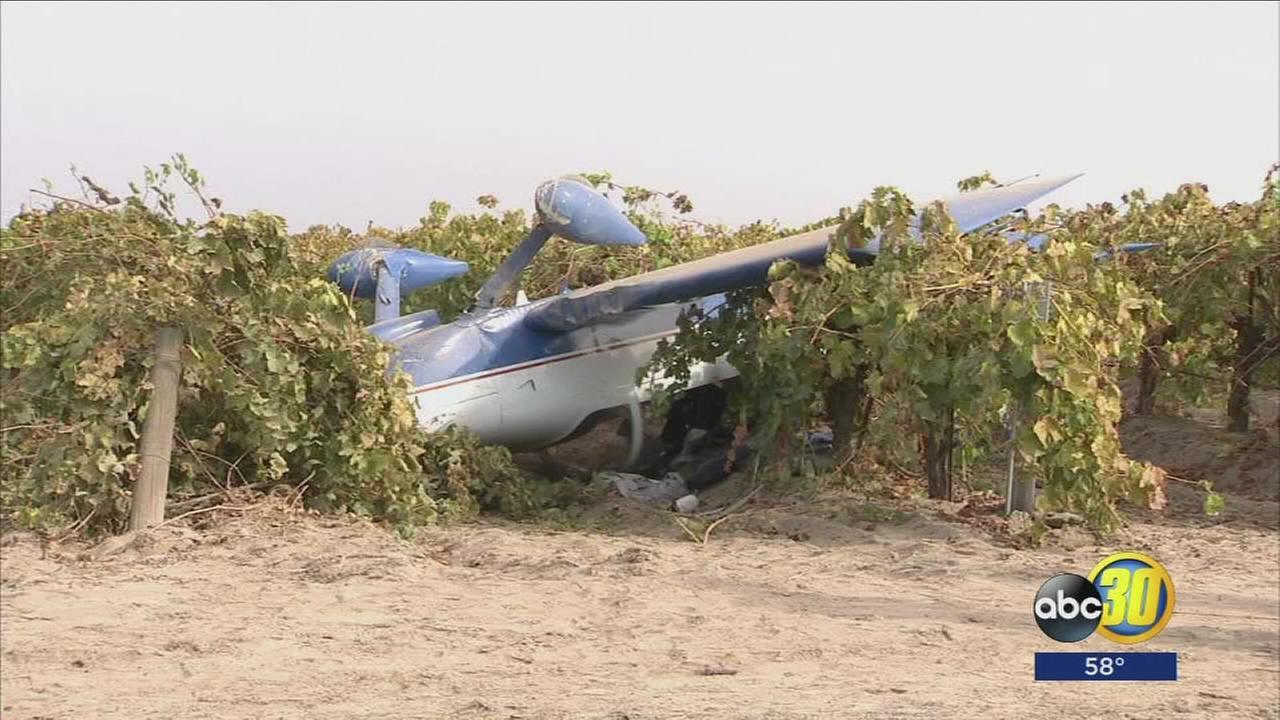 Plane crashes south of Easton in Fresno County
