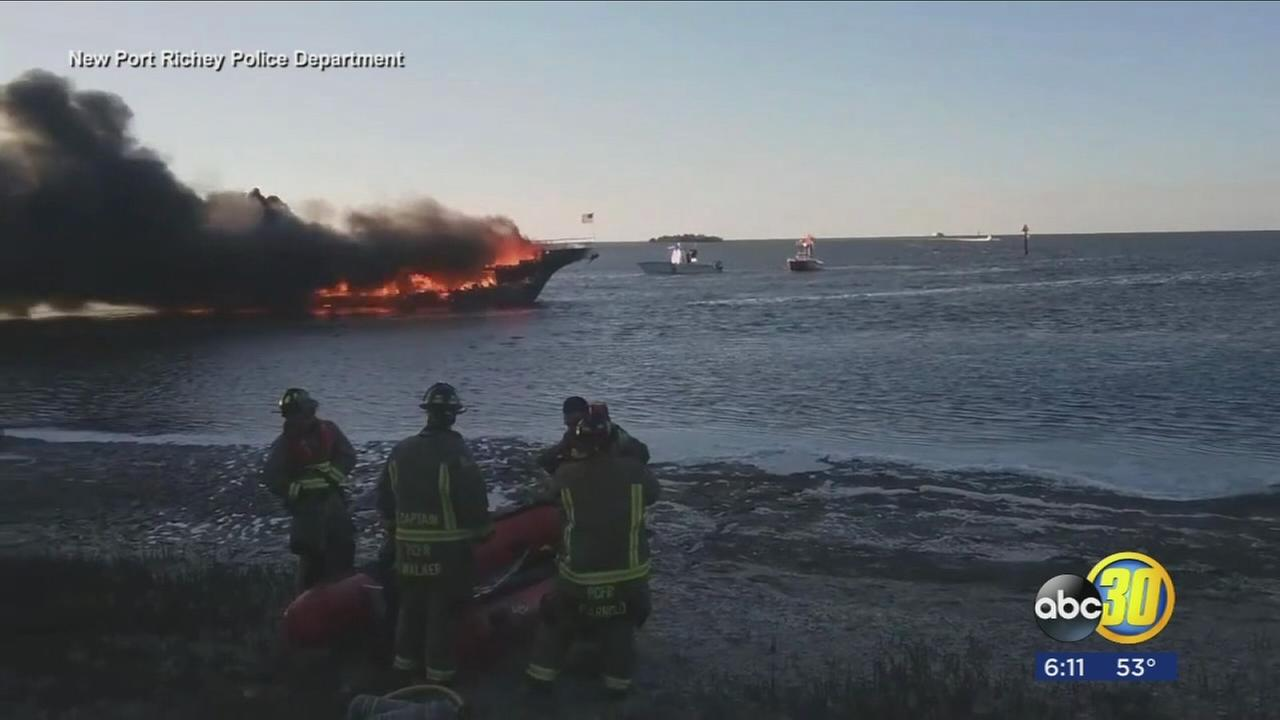 Boat fire prompts resuce of 50 people in Florida