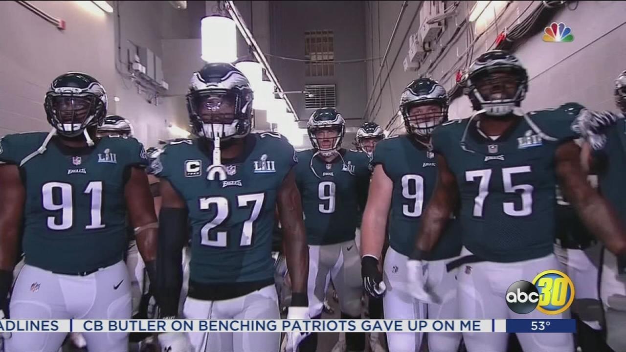 Eagles outshoot Patriots for 1st Super Bowl, 41-33