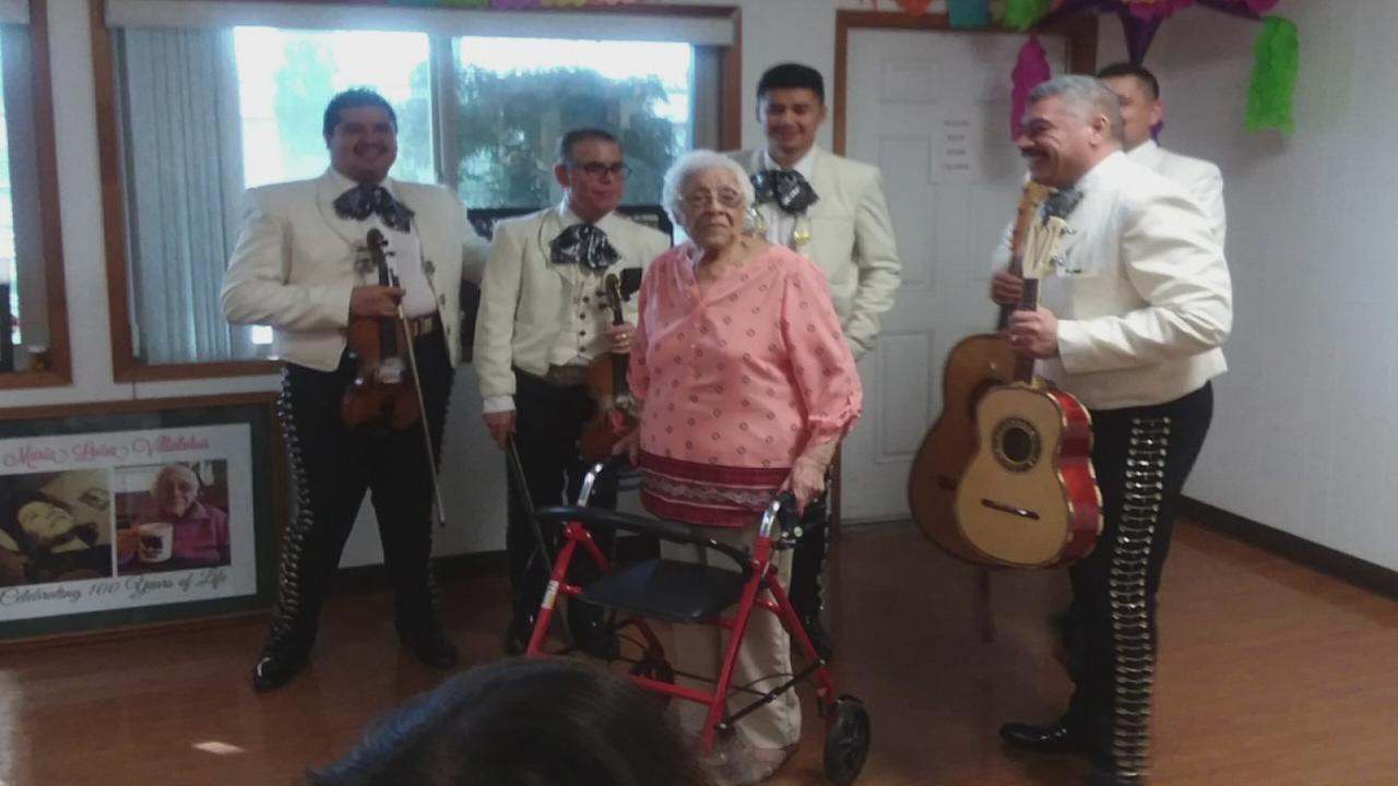 Visalia woman celebrates 100th birthday