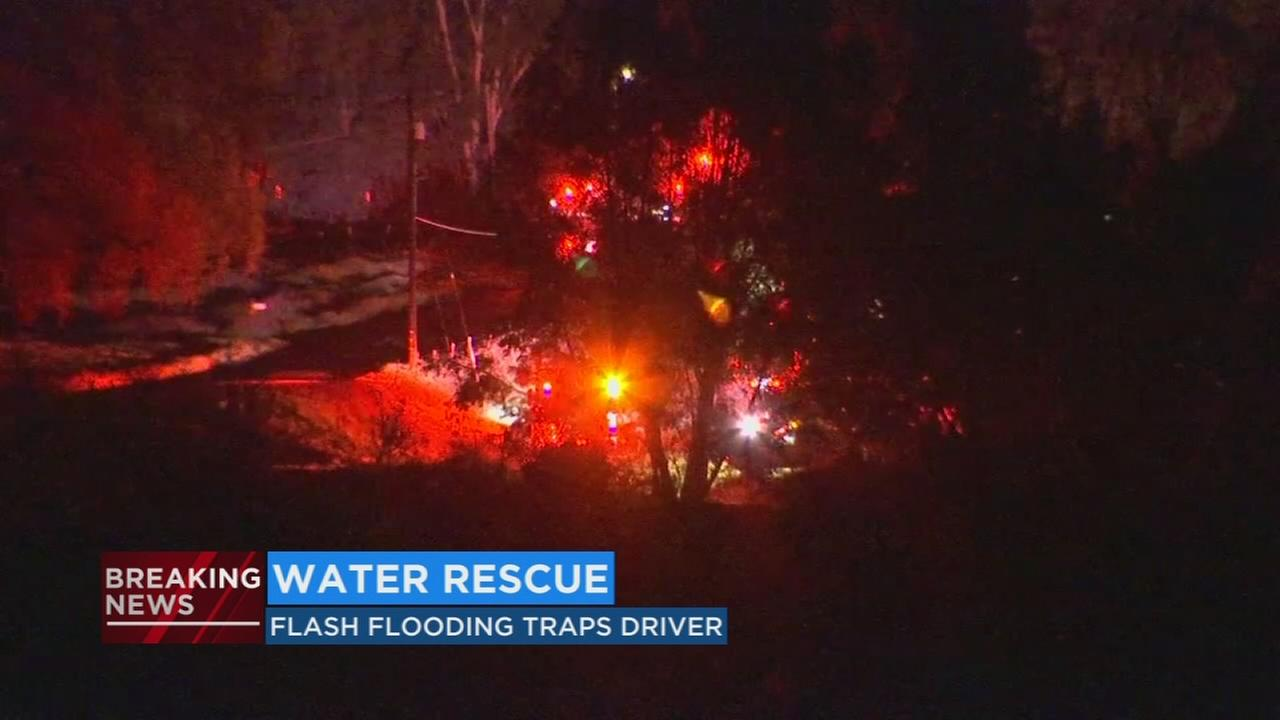 Flash flood along San Joaquin River traps campers in Northeast Fresno
