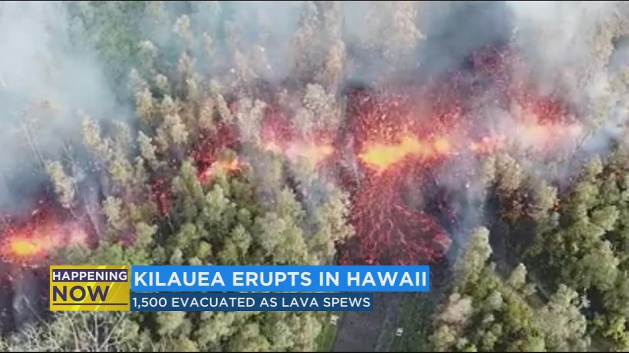 Hawaiis Kilauea volcano releases lava into residential area