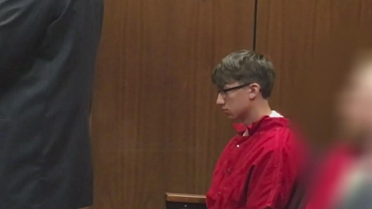 Teen accused of threatening Buchanan High graduation pleads not guilty
