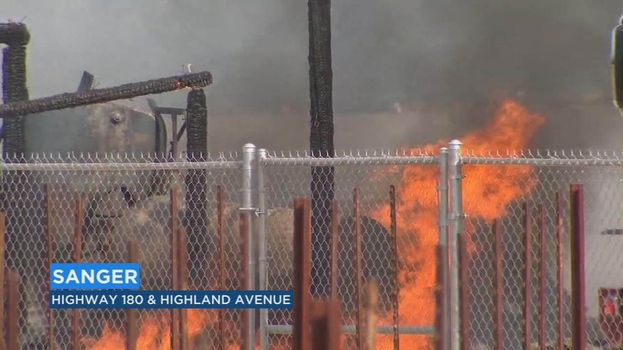 Fire breaks out at barn in Sanger