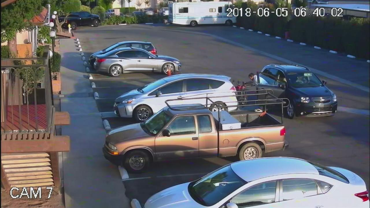Fresno Police looking for a pair of bike thieves