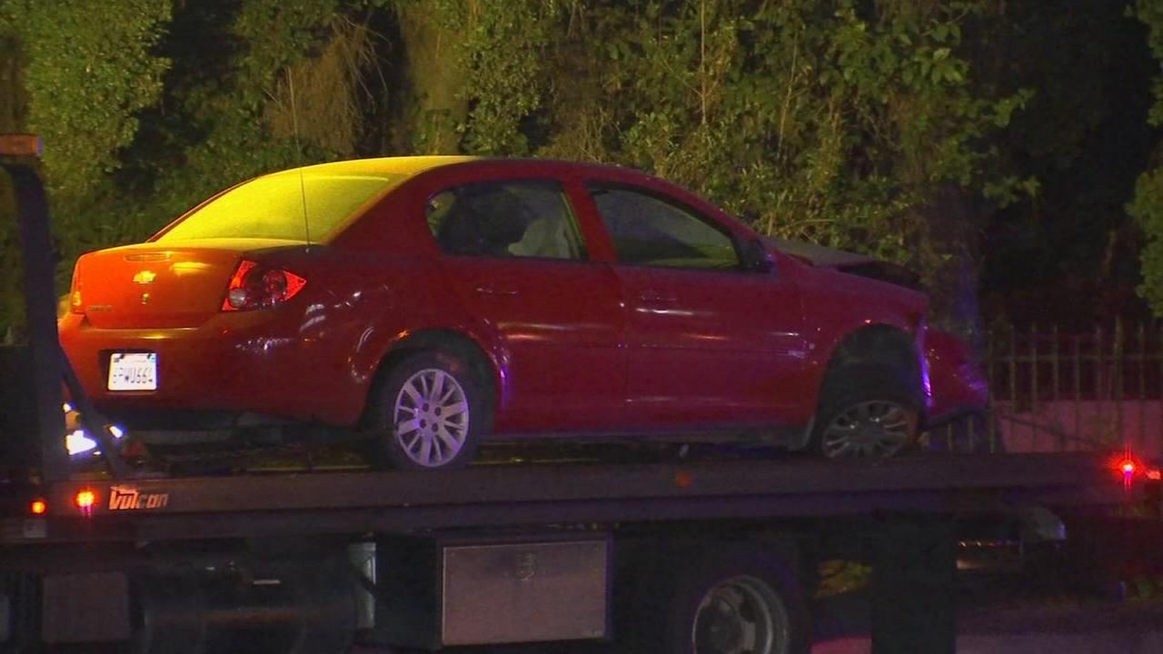 3 people injured in three car crash in Northwest Fresno