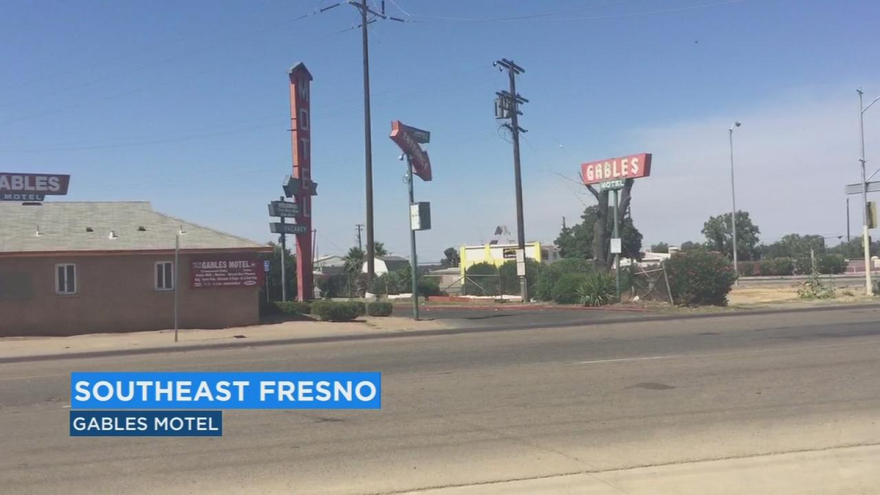 Guests forced to evacuate SE Fresno motel after fire breaks out in bathroom