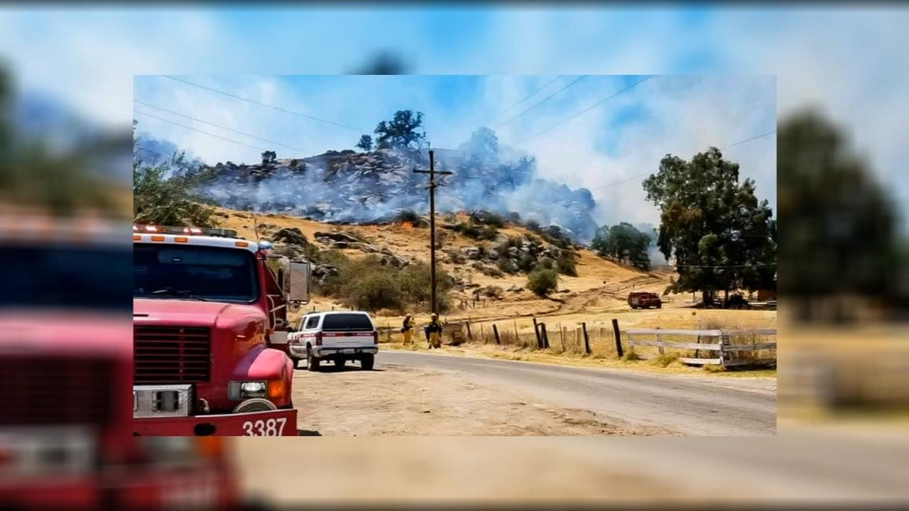 Cal Fire battles 76-acre wildfire in Fresno County