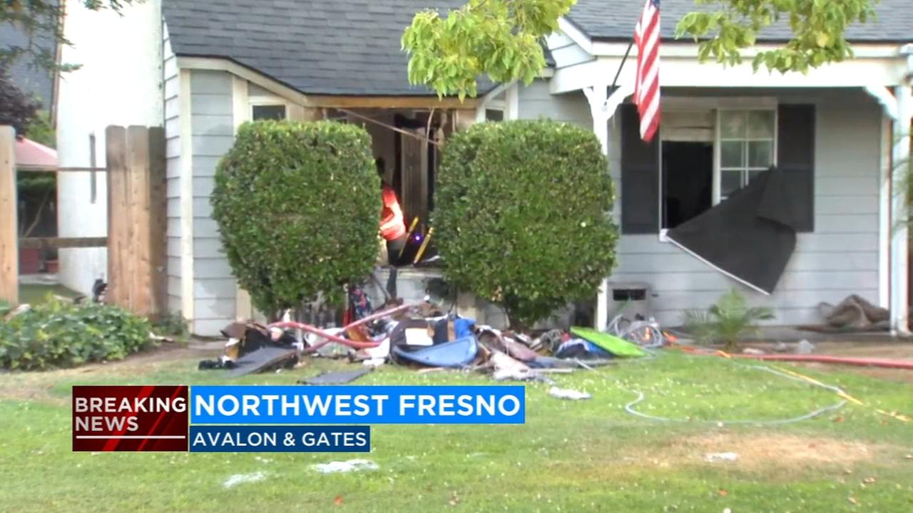 Family escapes house fire in Northwest Fresno