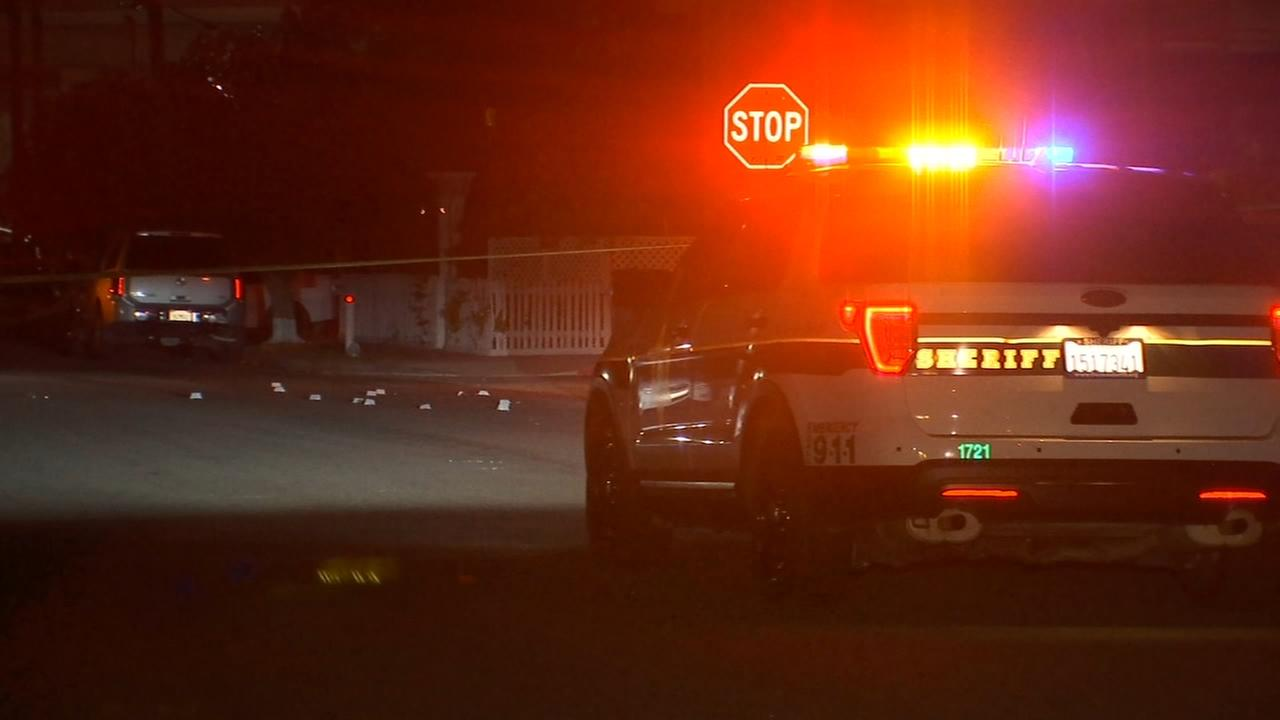 Deputies looking for suspects after shooting in Malaga leaves one person injured
