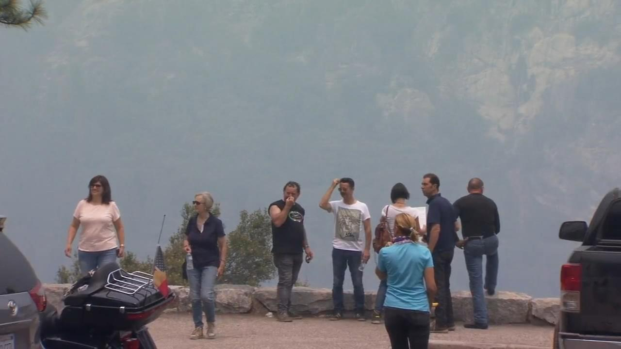 Smoke from Ferguson Fire not stopping Yosemite tourism