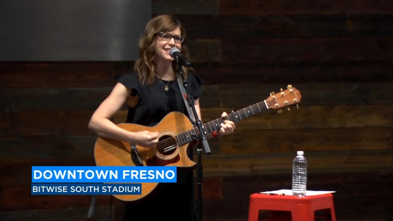 Award-winning artist Lisa Loeb visits the Central Valley