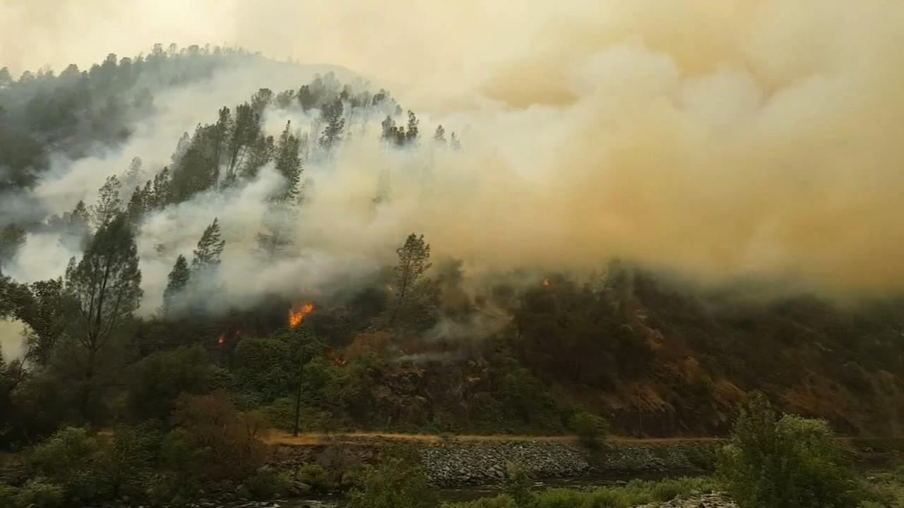 Extreme heat, strong inversion layer challenges Ferguson Fire crews